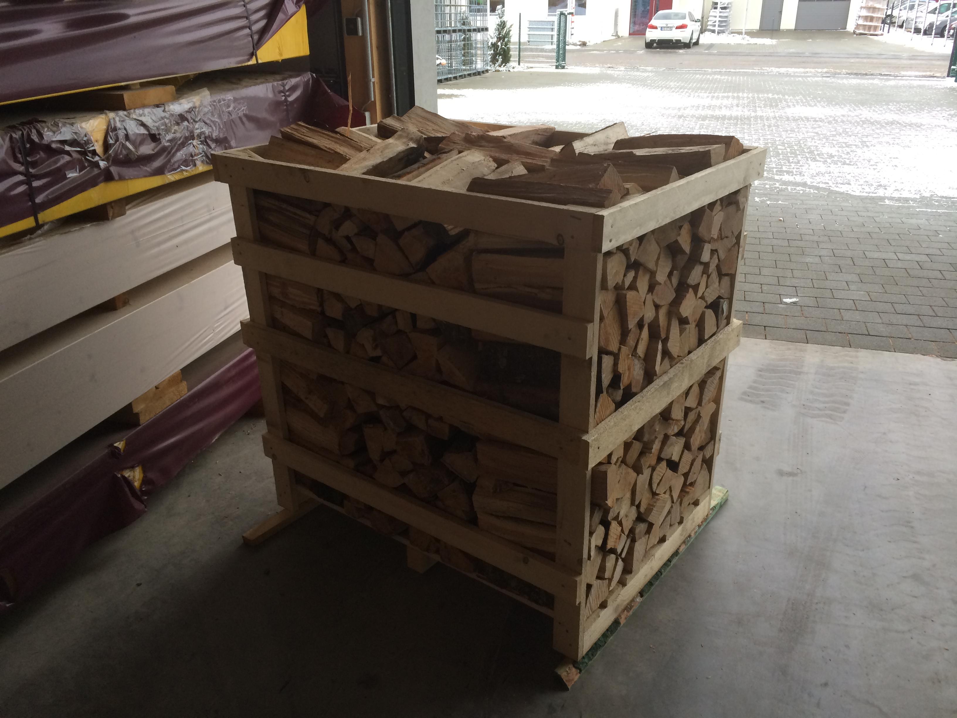 Kaminholz Fichte (in der Kiste zu 1 Ster)